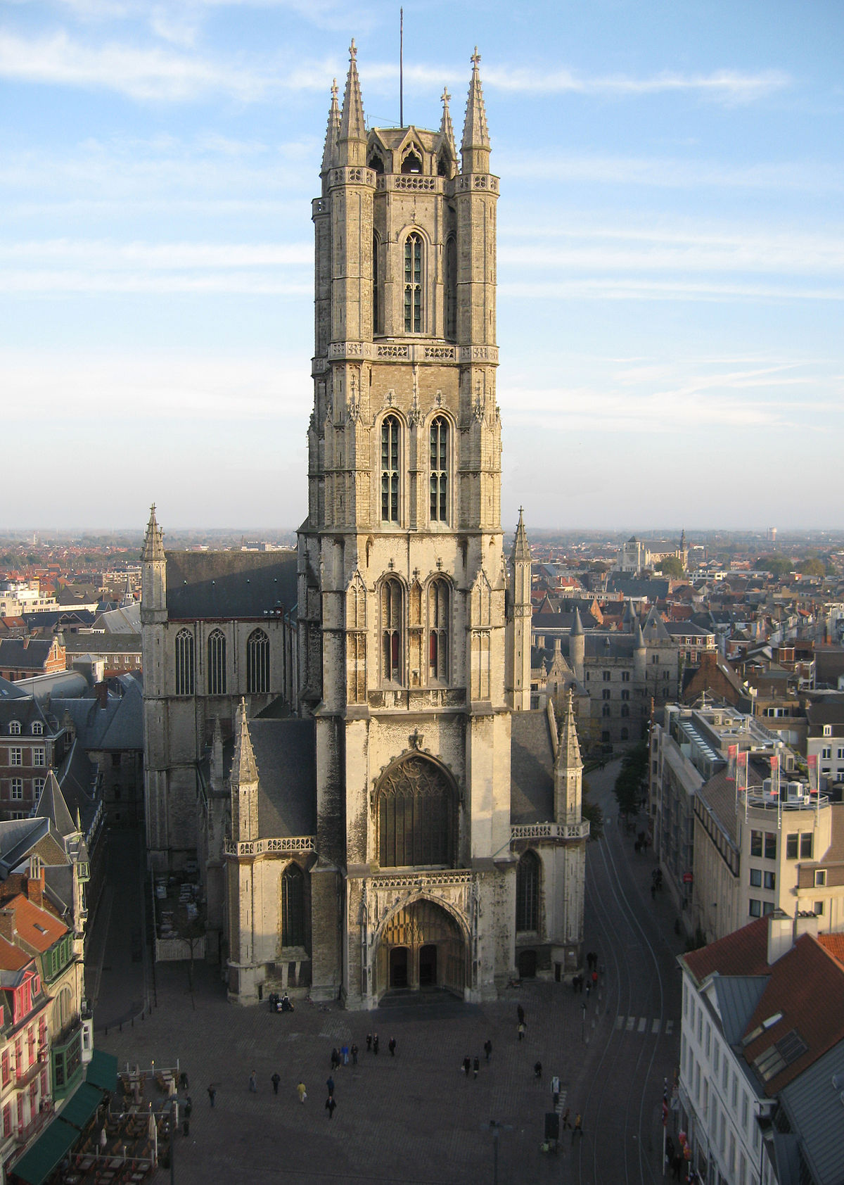 1200px-Sint-Baafskathedraal_(St._Bavo's_Cathedral)_Ghent_Belgium_October